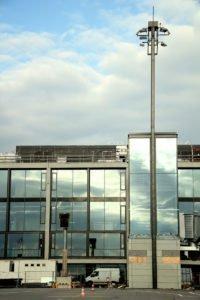 Elektromontagen-Leipzig-GmbH-Flughafeninfrastruktur-Flughafen-BER-Vorfeldbeleuchtung-4-200x300