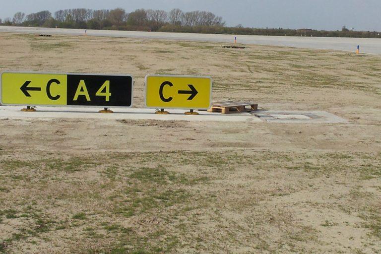 Flughafen-Leipzig-Halle-LEJ-Vorfeldbeleuchtung-APRON-3-12