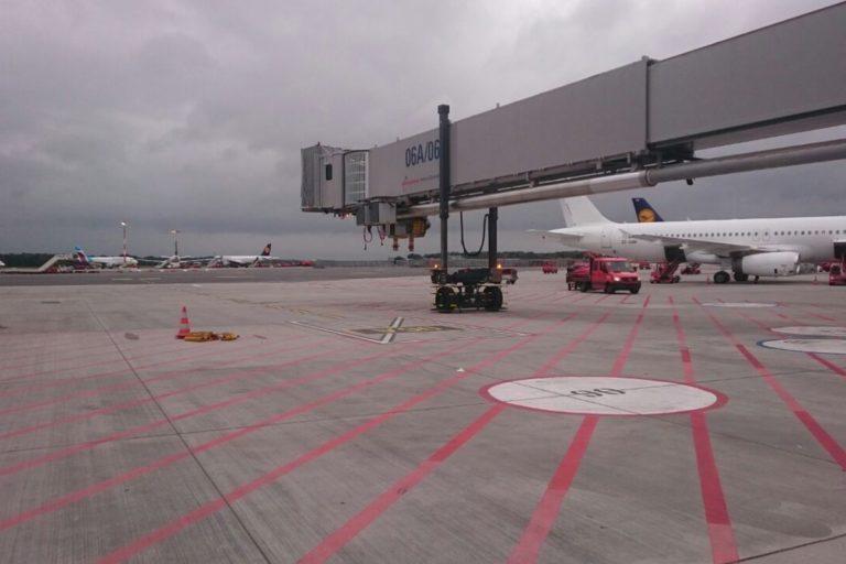 Flughafen HAM Andocksystem 400 Hz
