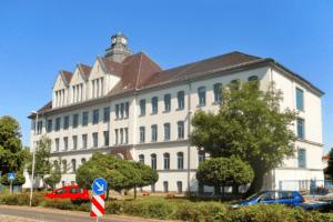 Elektromontagen-Leipzig-GmbH-oeffentliche-Einrichtungen-Gymnasium-Engelsdorf-2-300x200